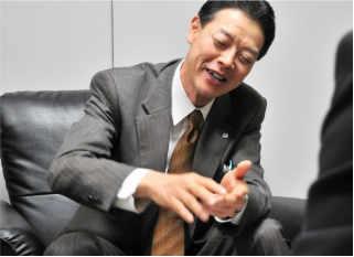 株式会社三共プラス:代表取締役社長 岡田晋策氏